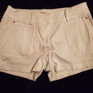 Cache Shorts White 10